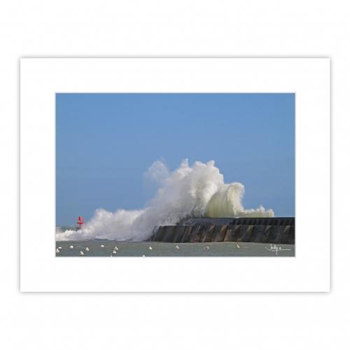 Lesconil, l'un des spots les plus prisés des photographes lors des tempêtes doublées d'une grande marée… A vous d'imaginer les esprits de la mer !