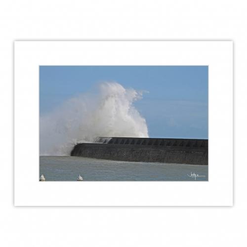 Lesconil, l'un des spots les plus prisés des photographes lors des tempêtes doublées d'une grande marée…