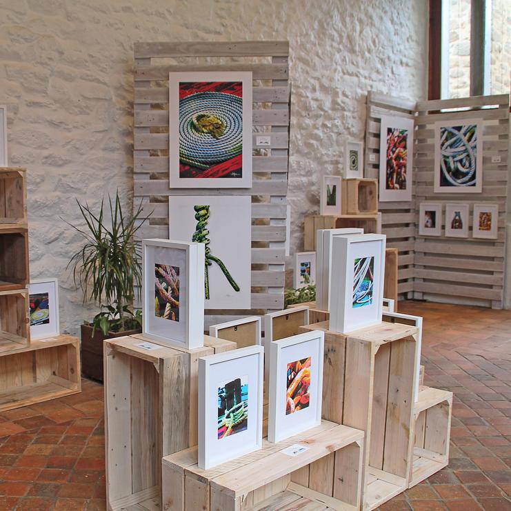 Exposition des illustrations photographiques dans l'atelier d'artiste à Pont-Scorff en 2020